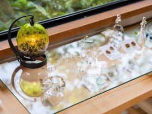 中野由紀子さん、平井睦美さんのガラス作品達